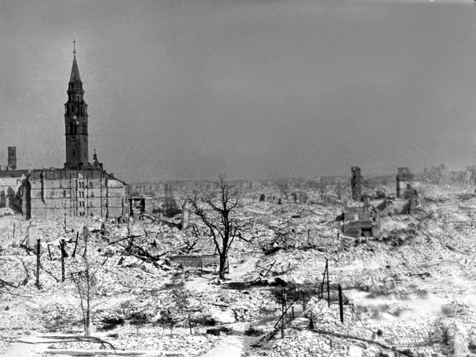 Zerstörtes Land: Warschau nach dem Ende der deutschen Okkupation