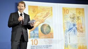 Schweizer Notenbank kauft vorsorglich Papierlieferanten