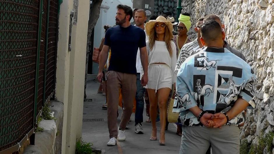 Aufgewärmt: Jennifer Lopez flaniert mit alter Neu-Liebe Ben Affleck durch die Gassen von Capri.