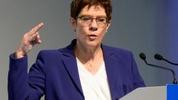 Kramp-Karrenbauer: Koalitionsvertrag wird nicht neu verhandelt