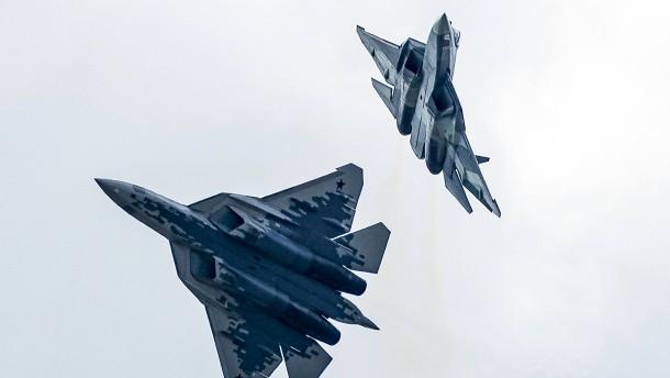 Russischer Tarnkappen-Bomber bei Testflug abgestürzt