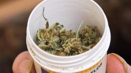 Patienten warten auf Cannabis-Blüten
