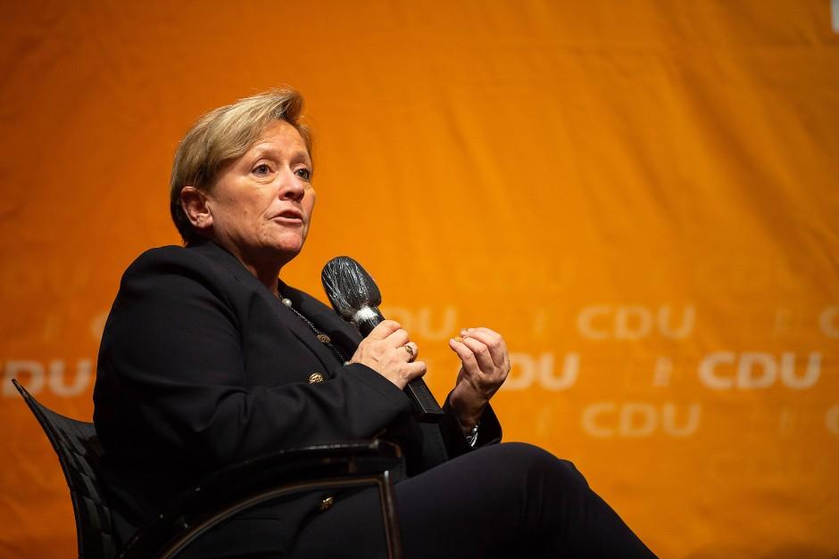 Die Kultusministerin Susanne Eisenmann (CDU) möchte im März die Wahl zur Ministerpräsidentin in Baden-Württemberg gewinnnen.