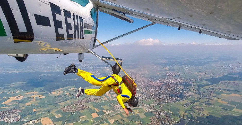 Mutprobe: Normalerweise springt kein Pilot freiwillig aus einem intakten Flugzeug.