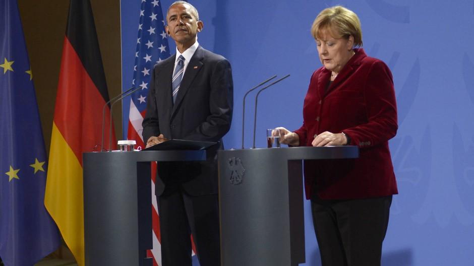 Der amerikanische Präsident Barack Obama und Bundeskanzlerin Angela Merkel geben am Donnerstagabend eine gemeinsame Pressekonferenz in Berlin.