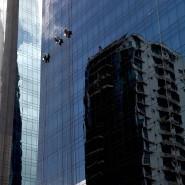 Fassadenkletterer in Panamas Finanzdistrikt: In dem mittelamerikanischen Land haben Prominente Geld angelegt, um Steuern zu sparen.