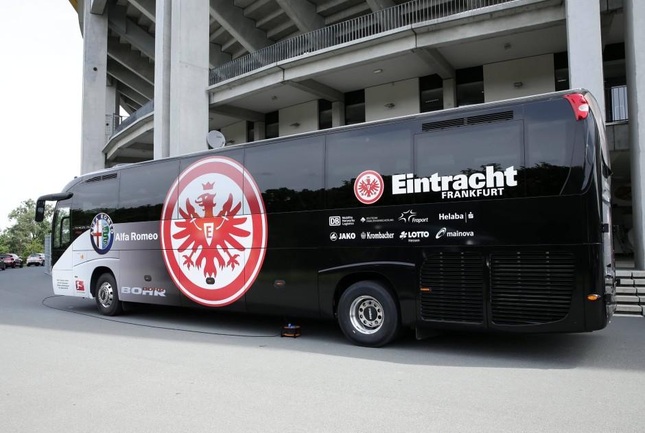 eintracht frankfurt bus