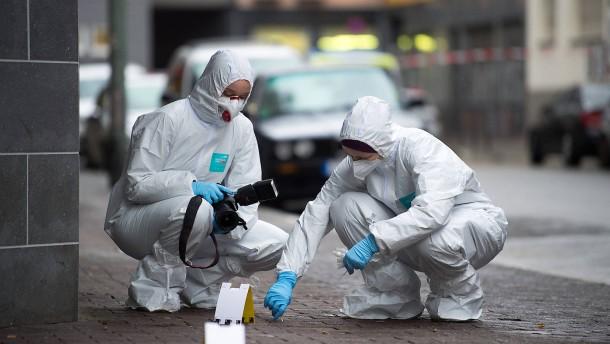 Messerstecher verletzt mehrere Personen schwer