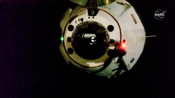 So dockten die SpaceX-Astronauten von der ISS ab