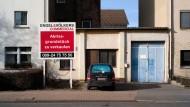 Ein Schild von Engel & Völkers in Frankfurt