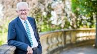 Schön hat er es: Winfried Kretschmann, Ministerpräsident von Baden-Württemberg, auf der Terrasse des Staatsministeriums in Stuttgart