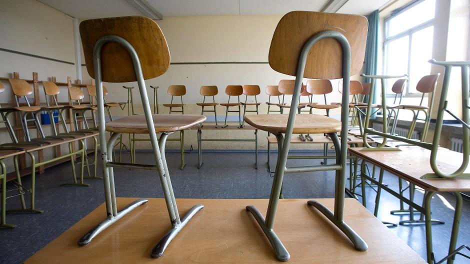 Eine Mehrheit der Schüler hat unter dem Verlust eines strukturierten Tages und dem fehlenden Kontakt mit Gleichaltrigen während des Lockdowns schwer gelitten, zeigt eine sächsische Studie.