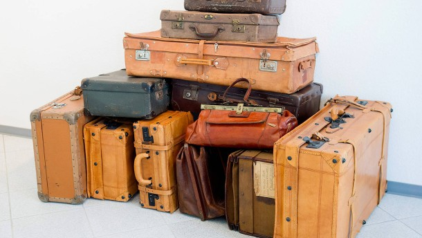 Flucht mit einem Schulranzen als Gepäck