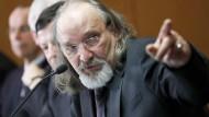 Tim van Beveren auf der Pressekonferenz im März