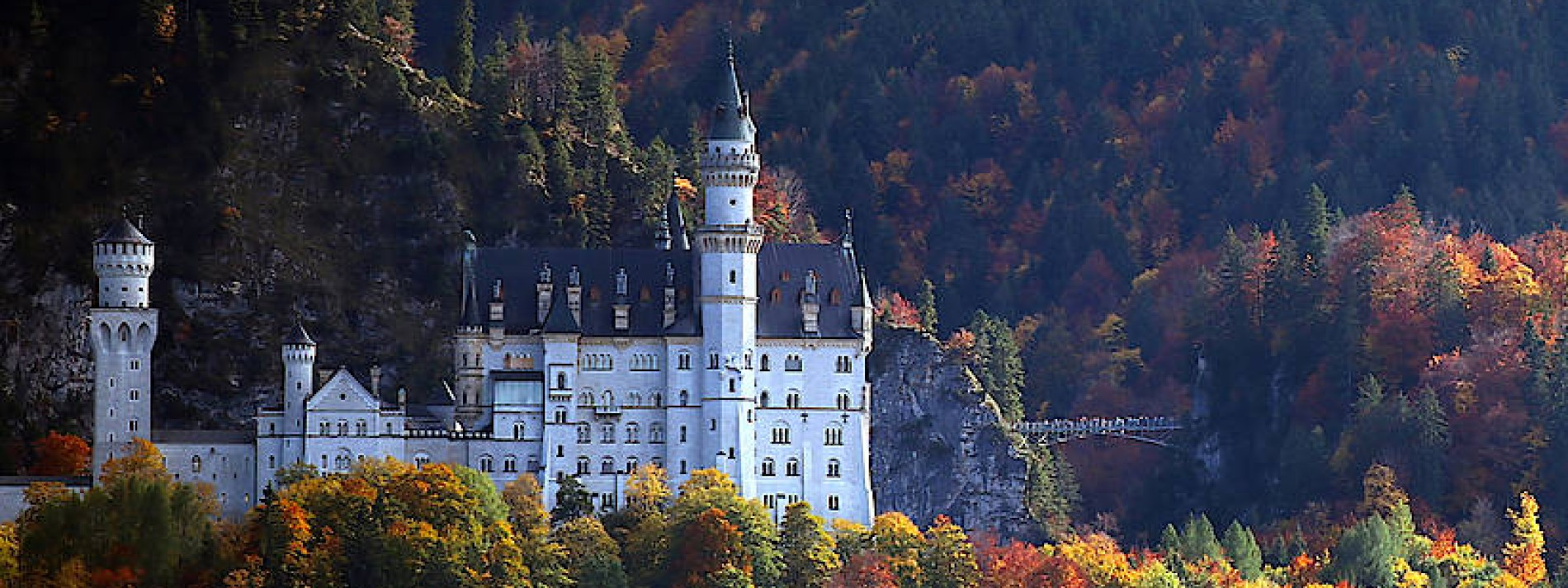 Schloss Neuschwanstein erstrahlt in neuem Licht