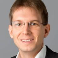 """Patrick Bernau  - Portraitaufnahme für das Blaue Buch """"Die Redaktion stellt sich vor"""" der Frankfurter Allgemeinen Zeitung"""