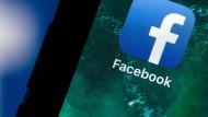 Die Facebook-App auf einem Gerät mit iOS-Betriebssystem von Apple