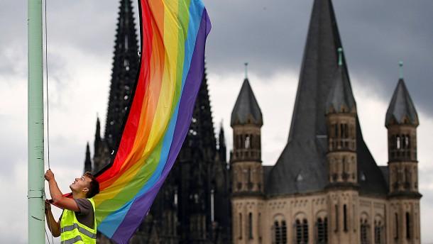 Kein Arbeitsvertrag wegen gleichgeschlechtlicher Ehe