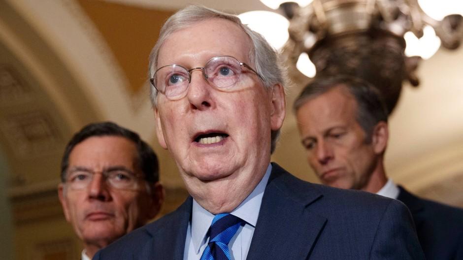 Mitch McConnell, Mehrheitsführer im Senat