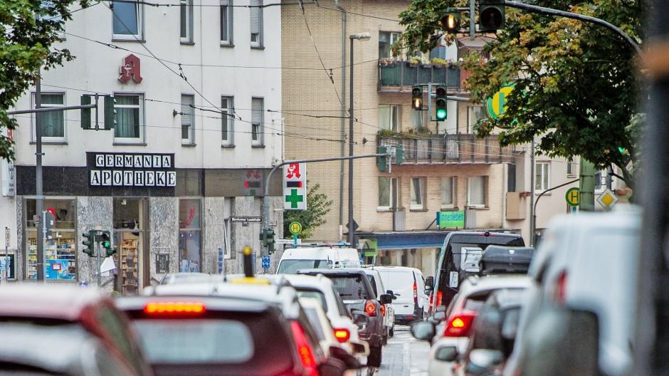 Gestaute PKW zwischen Zeißelstrasse und Koselstrasse