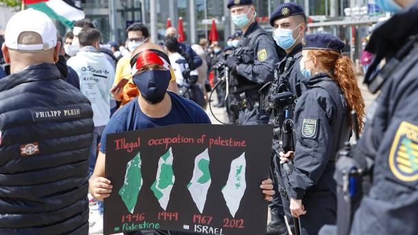 Seehofer droht harte Strafen für Angriffe auf jüdische Einrichtungen an