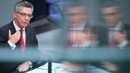 Thomas de Maizière verbietet 'Islamischen Staat'