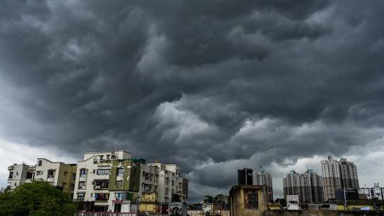 Heftiger Wirbelsturm in Indien erwartet