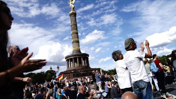 """""""Heute ist Berlin wieder die Front gegen Totalitarismus"""""""
