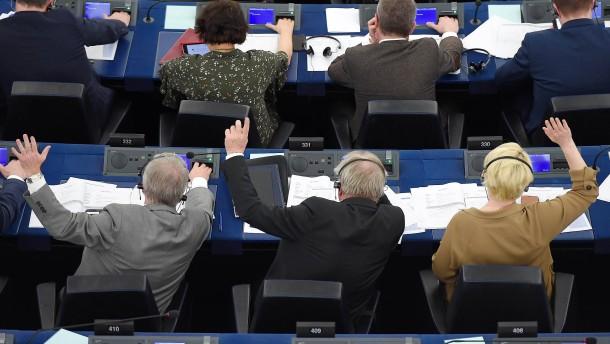 Mehrere EU-Abgeordnete haben sich offenbar verwählt