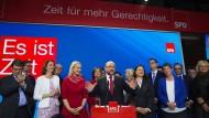 Schlägt nun die Stunde der Frauen? SPD-Kanzlerkandidat Schulz wirkt erschüttert nach dem Debakel am Wahlabend.
