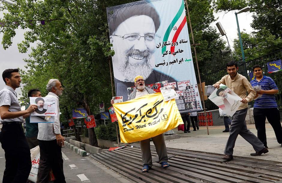 Unterstützer des Präsidentschaftskandidaten Ebrahim Raisi in Teheran.