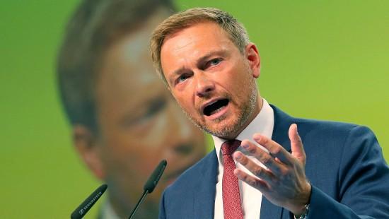 Lindner wirft Merkel Zögerlichkeit vor