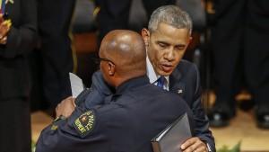 """Obama in Dallas: """"Wir müssen der Verzweiflung widerstehen"""""""