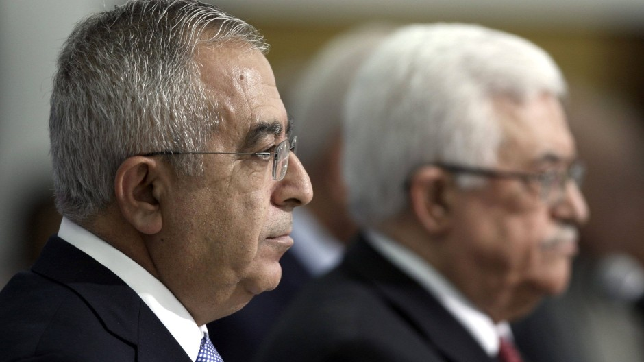 Ministerpräsident Fajad (l.) mit Präsident Abbas, Archivbild von 2012