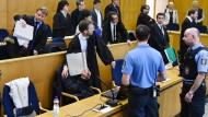 Auf der Anklagebank: Den fünf Koreanern wird vorgeworfen, im Dezember 2015 eine Verwandte im Verlauf einer Teufelsaustreibung ermordet zu haben.