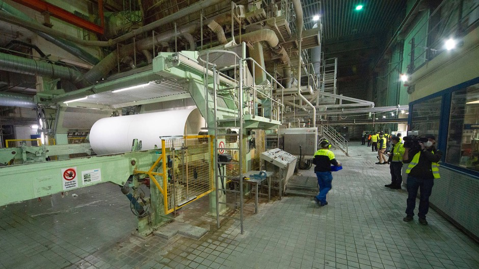 Pilotprojekt: Für die Trocknung des Papiers wird die Luft künftig nicht mehr mit Erdgas erhitzt.