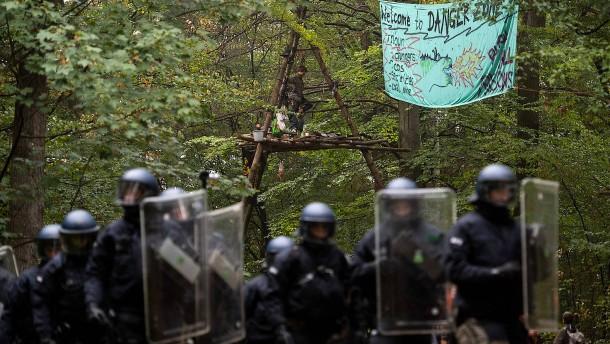 Neuer Protest entflammt im Hambacher Forst