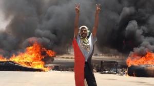 Militärrat kündigt Vereinbarung mit Protestbewegung auf