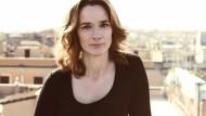Francesca Melandri gelingt es, individuelle Erfahrungen und historischen Hintergrund zu verknüpfen.