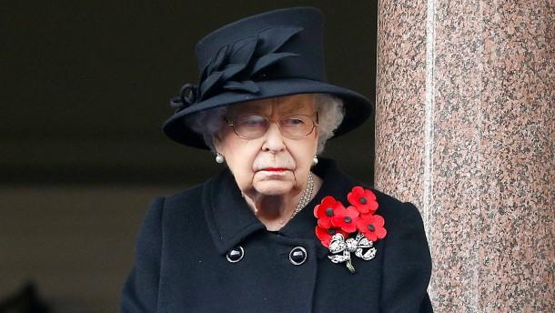 Queen nimmt erstmals seit Tod von Prinz Philip an Termin teil