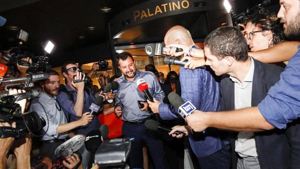Salvini liebäugelt mit einer Rückkehr nach rechts
