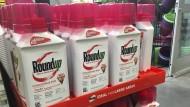 Behälter mit dem glyphosathaltigen Unkrautvernichtungsmittel Roundup (Archivbild)