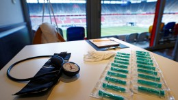 NRW verhängt Impfstopp in Kliniken