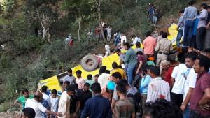 Mindestens 23 Kinder bei Busunglück in Indien getötet