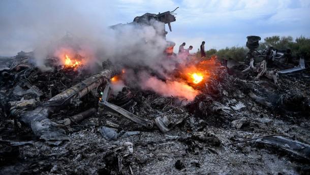 Mordanklagen wegen Abschuss von MH17 erhoben