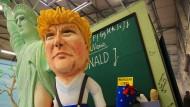 Karnevalistischer Spott für Trump, Erdogan und Johnson