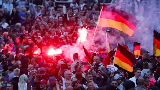 Was wir über das strittige Video aus Chemnitz wissen