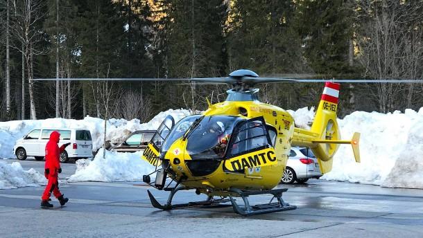 Tirol: Ein Toter bei Lawinenabgang in Reutte
