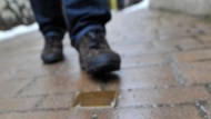Die Namen von Nazi-Opfern sollen nicht mit Füßen getreten werden, findet das Verwaltungsgericht München.