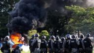 Feuer während der Proteste in Brasilia